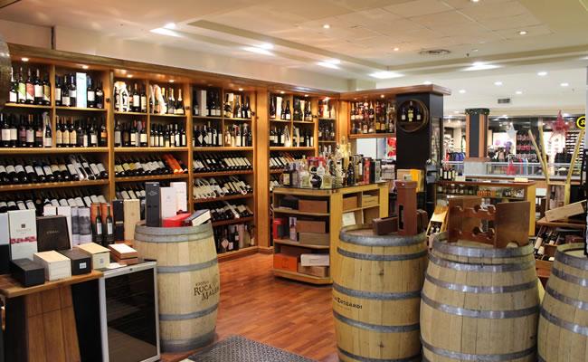 Muebles Vinoteca : Vinoteca devoto shopping ubicado en el corazón