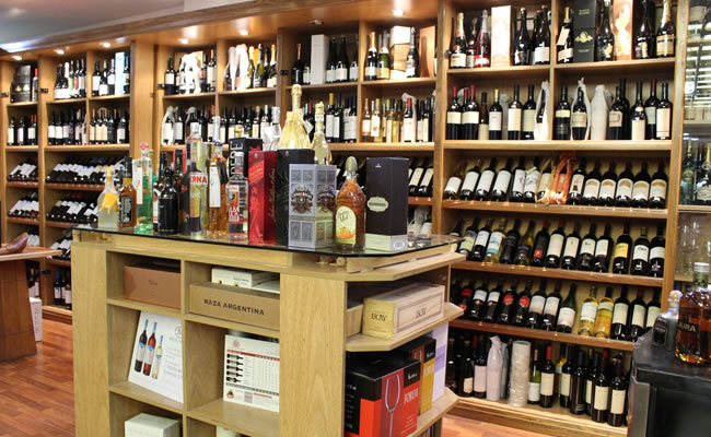 Vinoteca devoto devoto shopping ubicado en el coraz n - Fotos de vinotecas ...